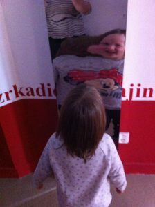okohra - v zrkadle
